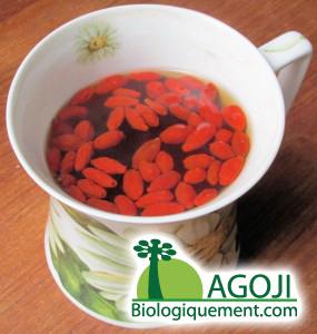 La baie de goji séchée bio est souvant consommée dans le thé en Chine
